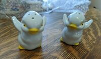 Baby chicks salt and pepper shakers flapping their wings, Vintage Kitchen Decor