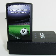 ZIPPO Feuerzeug FOOTBALL IN STADIUM Black matte, ONE World ONE Game NEU OVP