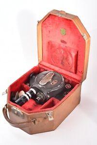 Camera cinema Bell & Howell Filmo Camera 70 model D. Avec étui et 2 objectifs.