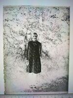 EE069 Plaque verre négatif 1930 -12x9 cm - fillette en robe, extérieur