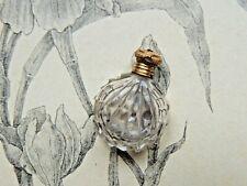 Très beau flacon à sels miniature en cristal bouchon doré collection