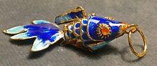 poisson chinois pendentif porte-bonheur métal émaillé articulé 2 tons de bleu