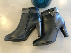 Italiana Black Leather Zip Up Ankle Boots Size 8.5 Stunning NEW