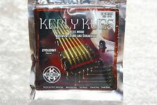 Kerly Kues e guitarras cuerdas cuerdas durante mucho tiempo mantener cochuras cuerda