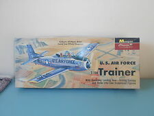 0907161 Avion U.S Air force trainer T-28A Monogram maquette kit
