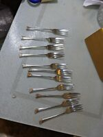 Vintage EPNS A1 11x Fish forks? Small emblishment on handle. M34