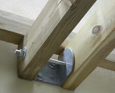 Staffa per listoni paralleli da 90 per ancoraggio pergole addossate