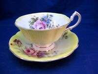 VINTAGE QUEEN ANNE TEA CUP & SAUCER STUNNING! YELLOW W PINK ROSE & MIXED FLOWERS