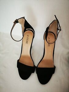 WOMEN'S  HIGH  HEELED   SANDLE /  SHOES  SIZE 5   BLACK STRAP