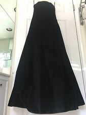 Formal Dress Long Evening Gown Black Velvet Scott McClintock Size 4 Strapless