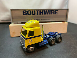 Winross Southwire COE Tractor Truck With Trailer 1/64 Scale Diecast