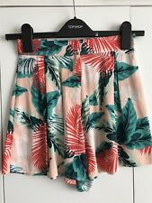 BRAND NEW TOPSHOP TROPICAL PRINT HIGH WAISTED SHORTS - Size 4