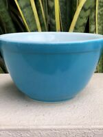 Vintage Pyrex Blue 401 Bowl Mixing Reverse Primary Mid Century White Glass Dish