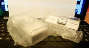 Apple Ipod Shuffle Silver 2nd Generation 1 gb A1204 Sealed His & Hers 2 Lot
