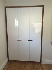 Local Made Fairmont Build-in Wardrobe Polyurethane Doors Hardwood Timber Frame