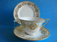 ROYAL WORCESTER TRIO TEA CUP SAUCER PLATE POMPADOUR STUNNING IN GOLD