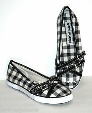 DIRTY LAUNDRY - SHOES -VICTORY LANE -CHECKER FLAG BLACK & WHITE -SIZE 9 -NEW $60