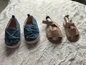 X2 Pairs 6-12 Month Baby Girl Pram Shoes / Sandals Great Clean Condition
