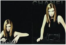 PUBLICITE ADVERTISING 105  2002   CHANEL  collection sacs  (2p)