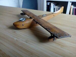 Ancien avion en bois Art populaire ? Jouet ancien ?