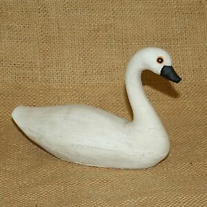 Aged Small Swan Country House Collection