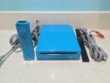 Blue Nintendo Wii console bundle & blue controller wires & sensor bar works