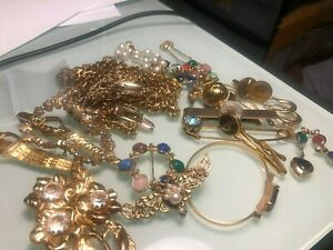 LOT OF VINTAGE GOLD TONE JEWELRY,  SCRAP OR USE 400 GRAMS