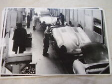 1960'S ? JAGUAR E TYPE FACTORY  ASSEMBLY AREA    11 X 17  PHOTO PICTURE