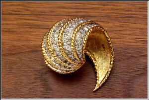 Gorgeous Vtg JOMAZ Pave Encrusted Rhinestones 18k Gold Plated Brooch