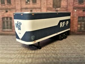 HO Scale. Custom designed RF&P 30' Piggyback trailer 2