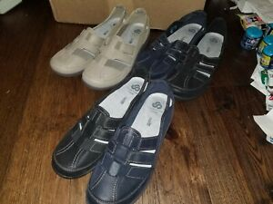 3 CLOUD STEPPERS BY CLARKS (SILLIAN STORK) BEIGE NAVY SLIP ON LOAFERS SIZE 10 M