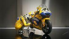 MINICHAMPS V. Rossi Figurine + Yamaha M1 1/12ème  V. ROSSI 2006 Altaya