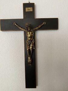 schönes Kruzifix - Wandkreuz - Holz mit Jesus  44x29