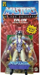 Masters of the Universe Origins Evil-Lyn 2 Action Figure in hands