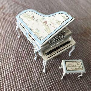 "Bespaq Hand Painted Grand Piano & Stool Seat Cream & Blue 1:24  1/2"" Scale 1485"
