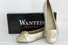 Women's Slip on Shoes Gold lower Star Pattern Size 6.5 Wanted Korrine Brand New