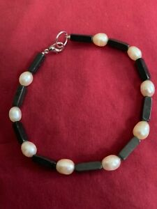 "Black Onyx And Pearl Bracelet ~ 9"""