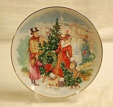 Old Vintage 1990 Avon Christmas Plate w 22K Gold Trim Bring Christmas Home