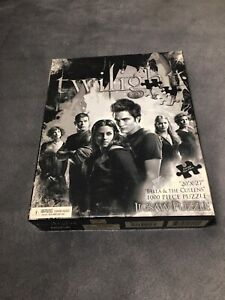 """Twilight Saga """"Bella and the Cullens"""" Black and White 1000 Piece Jigsaw Puzzle!"""