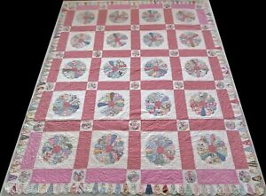 Antique 1930's Hand Stitched 10 spi Mauve Feed Sack Dresden Plate Quilt 95x78