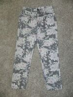BDG Jeans Mom Jean Floral Womens size 27 Inseam 28 NWOT
