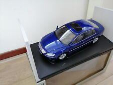 1:18 Autoart VW Volkswagen Phaeton W12 Limousine in blau lackiert   M  BOX