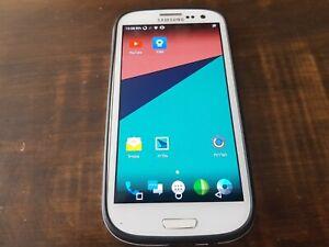 Read description Samsung Galaxy S III phone  GT-I9300 16GB Unlocked Smartphone