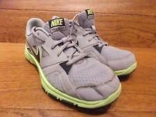 Nike Training Gris Chaussures De Course Gym Baskets Taille UK 6 EUR 39