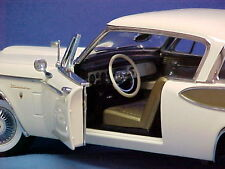 1957 Studebaker Golden Hawk WHITE 1:18 Motor City Classics 80003