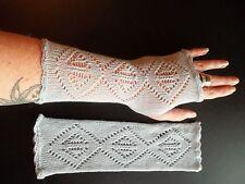 Elegant 100% pure cashmere lace fingerless gloves.col. Pale blue