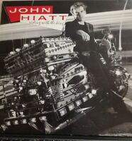 JOHN HIATT-RIDING WITH THE LIVING- vinile 33 giri nuovo import 1983