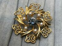 Vintage Brooch Imitation Faux Pearl Gold Tone Wreath Pin Costume Jewellery