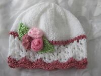 HAND KNITTED BABY GIRL  BEANIE HAT WHITE PINK LACY  FLOWER SIZES NB- 24 MTHS NEW