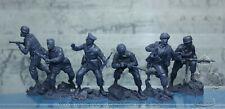 Plastic Platoon Toy Soldiers WWII German Paratrooper Battle Crete set 3 1:32 NEW